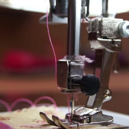Choosing the Right Sewing Machine for Home Use