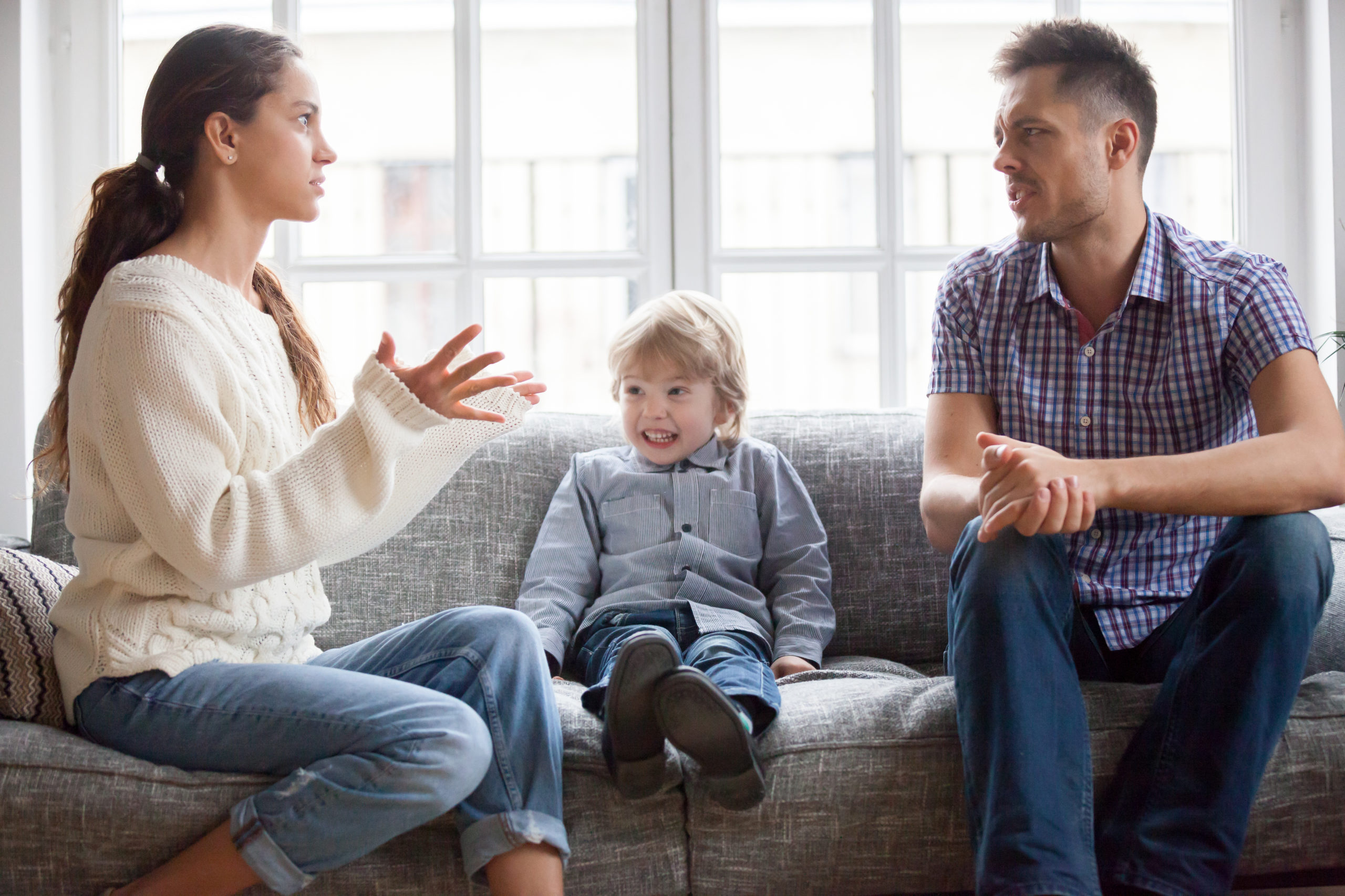 Save Your Right to Hold Your Child Through The Help of a Custody Lawyer