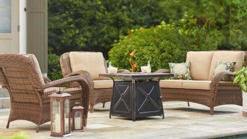 Outdoor Patio Furniture Giving Aesthetical Pleasure